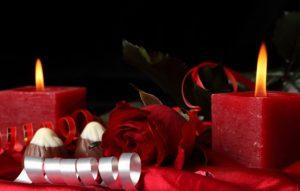 cvety-rouz-serdce-svecha-roses